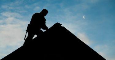 Pourquoi-faut-il-faire-la-rénovation-de-son-toit-de-maison