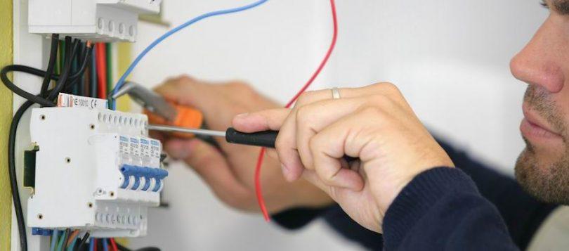 Comment installer mon propre panneau électrique